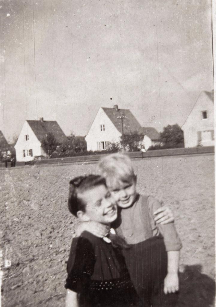 Die Kinder von vorgestern wurden die Eltern von gestern und sind die Grosseltern von heute... (Nölke 1941)
