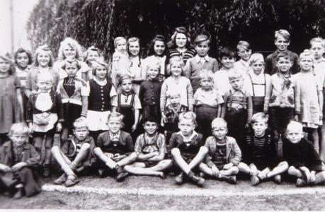 Hiller 1948/49 Kinder aus Wullwinkel und Holunder